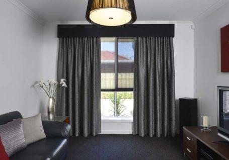 Curtain Photos High Res (6)